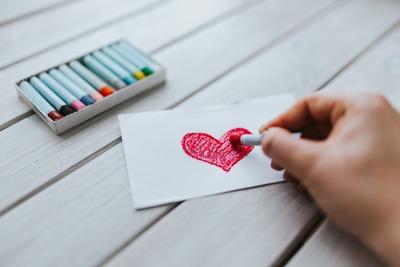 kaboompics_Drawing of a heart (1)
