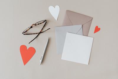 kaboompics_Empty Card Mockup